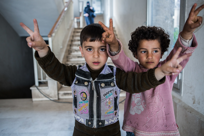 5.8 millones de niños sirios aún viven amenazados por el fuego cruzado y las bombas: