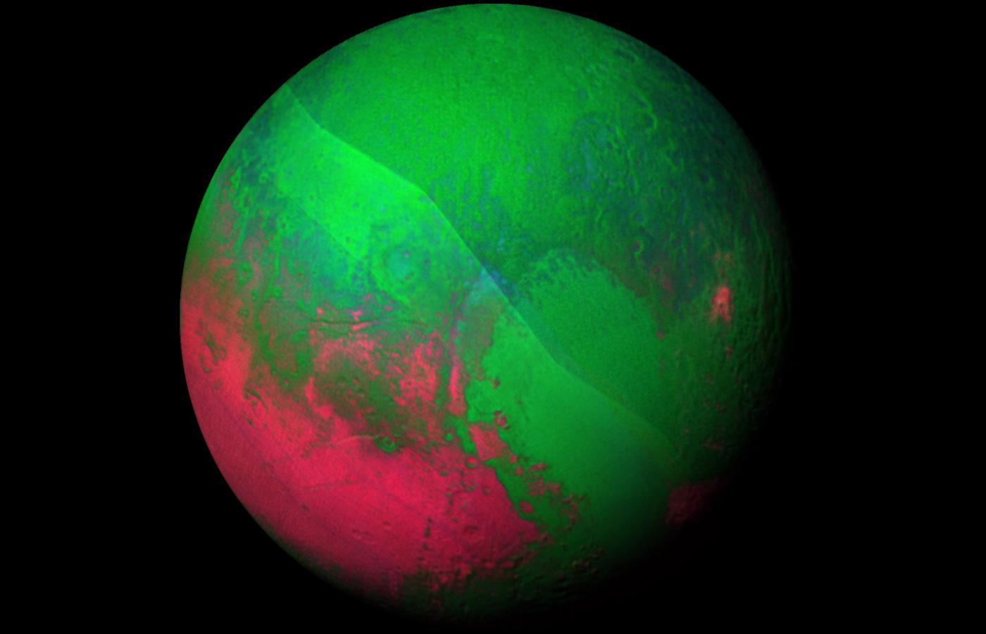 冥王星穿上圣诞装束,和大家一起过节啰~