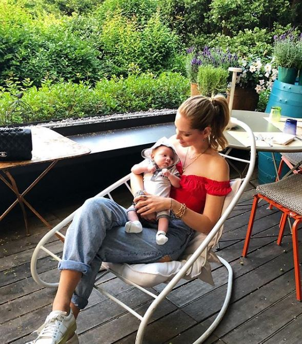 Chiara Ferragni presenta la tata del piccolo