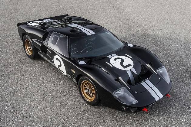 フォード gt40 のル マン初優勝から50周年を記念して 復刻生産モデル