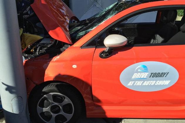 LAオートショー開催中に試乗車が衝突事故を起こし8人が負傷
