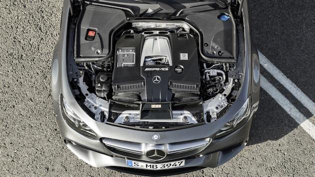 Mercedes-AMG E 63 S, Motoraufnahme; Kraftstoffverbrauch kombiniert: 9,2 – 8,9l/100 km; CO2-Emissionen kombiniert: 209 - 203 g/km // Mercedes-AMG E 63 S, engine shot; Fuel consumption combined: 9,2 – 8,9 l/100 km; Combined CO2 emissions: 209 - 203 g/km