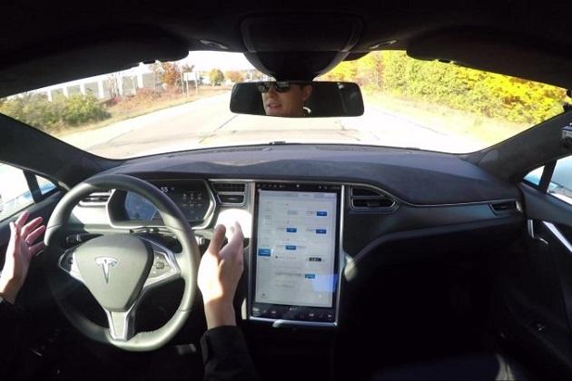 Google、テスラから自動運転システムの技術マネージャーを引き抜く