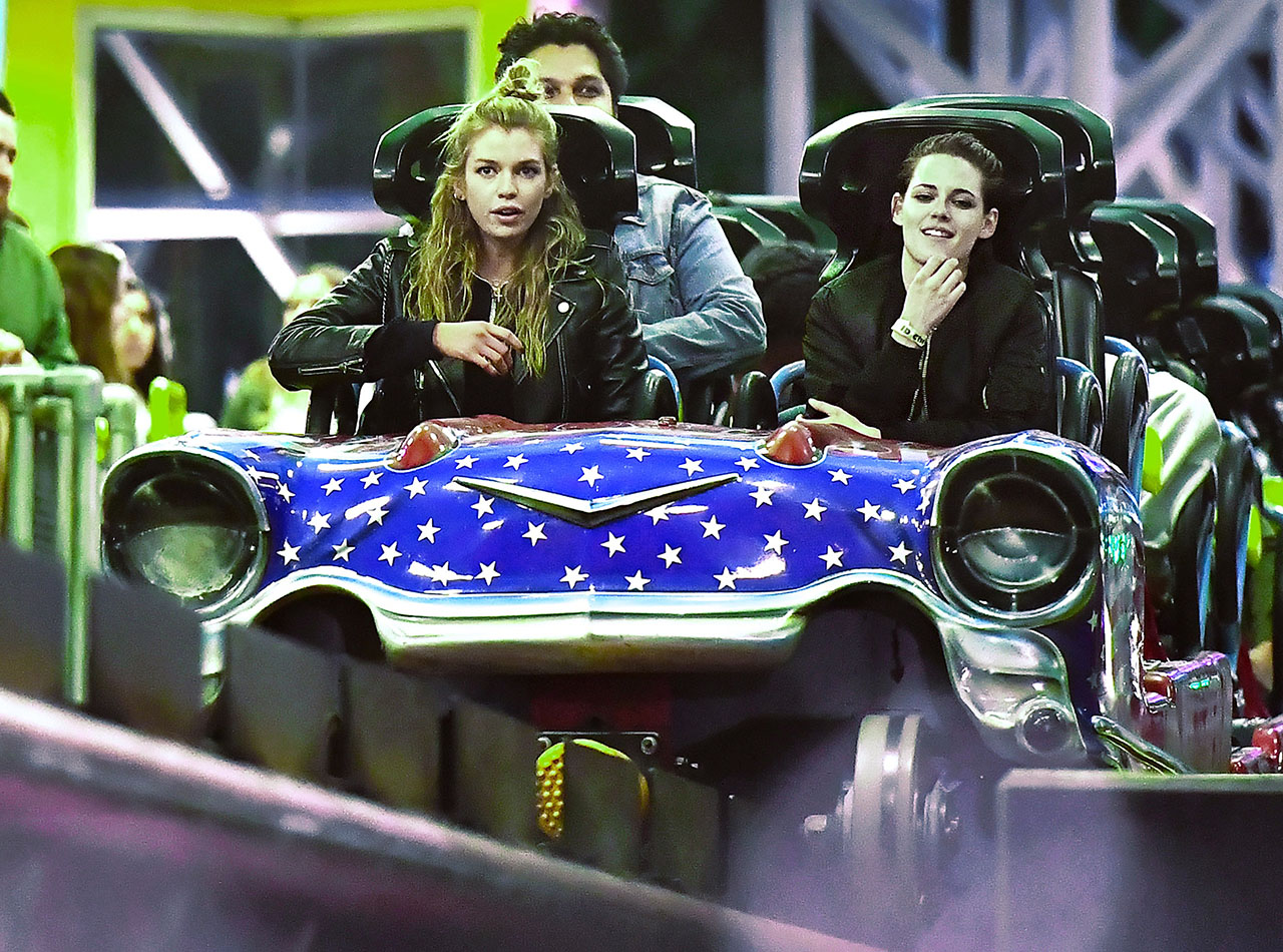 EXCLUSIVE: **NO WEB** Kristen Stewart and her super model girlfriend Stella Maxwell were spotted enjoying a night of fun at Knott's Berry Farm in Buena Park, CA. The new couple were spotted holding hands and showing lots of PDA at the legendary theme park, they were also seen enjoying the roller coasters the park had to offer. They were seen riding the Boomerang, Supreme Scream, Silver Bullet, and the Xcelerator. The couple were also seen sipping on beers as they strolled the park. 29 Jan 2017 Pictured: Kristen Stewart and her super model girlfriend Stella Maxwell were spotted enjoying a night of fun at Knott's Berry Farm in Buena Park, CA. The new couple were spotted holding hands and showing lots of PDA at the legendary theme park, they were also seen enjoying the roller coasters the park had to offer. They were seen riding the Boomerang, Supreme Scream, Silver Bullet, and the Xcelerator. The couple were also seen sipping on beers as they strolled the park. Photo credit: Marksman / MEGA TheMegaAgency.com +1 888 505 6342 (Mega Agency TagID: MEGA14447_001.jpg) [Photo via Mega Agency]