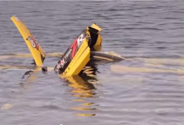 Ferrari Enzo crashes into sea