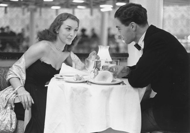 Dating in the 1950s compared to today
