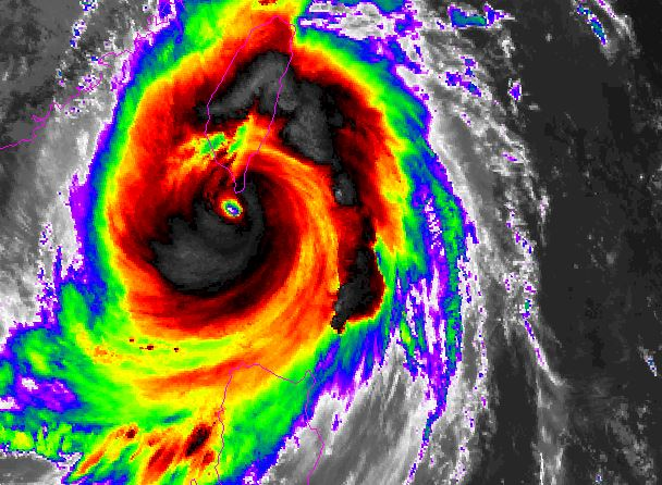 Super Typhoon Meranti Slams Into
