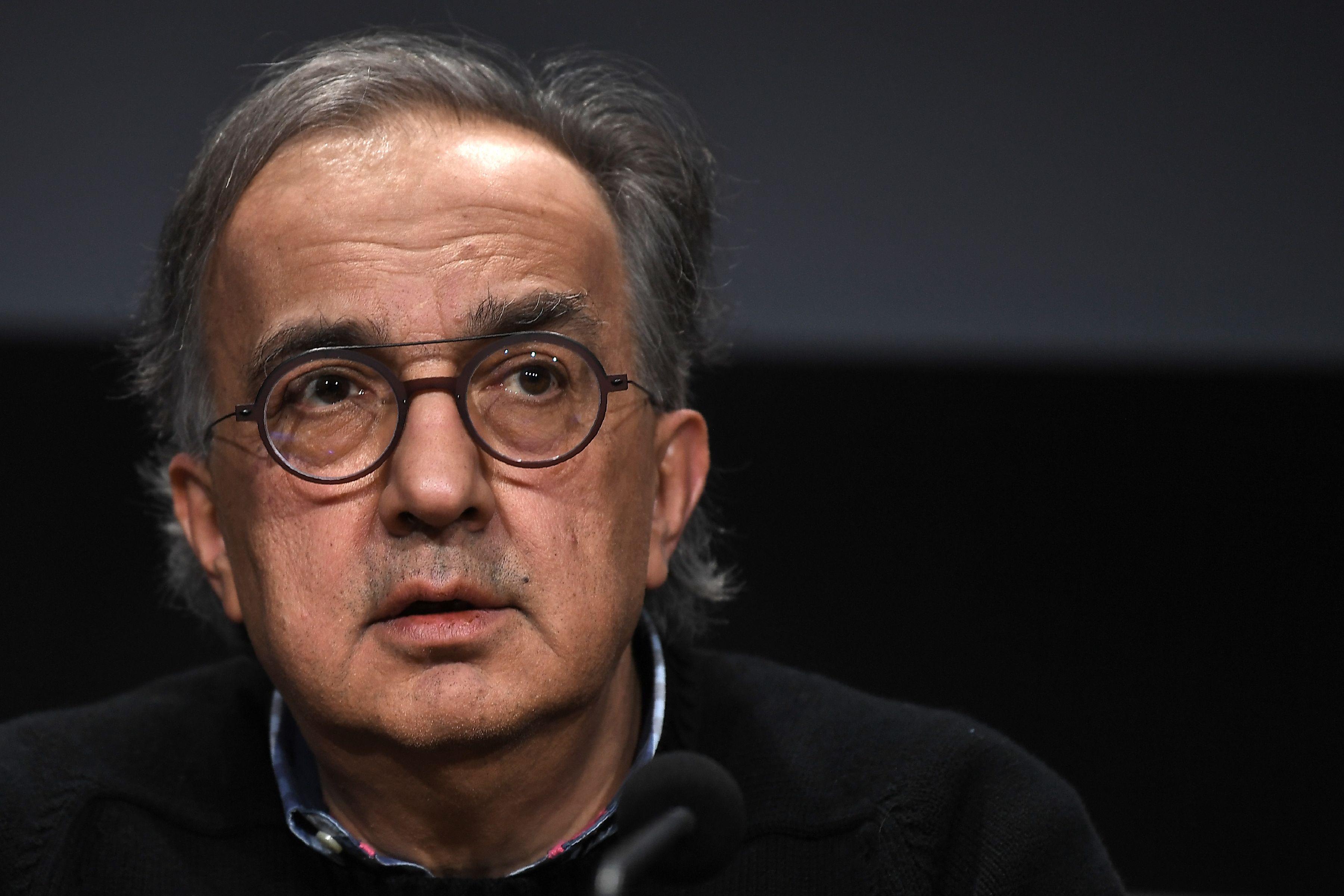 UN ADDIO IMPROVVISO E TRAUMATICO - Si chiude l'era Marchionne, il perfetto sconosciuto che ha salvato e trasformato Fiat. Un...