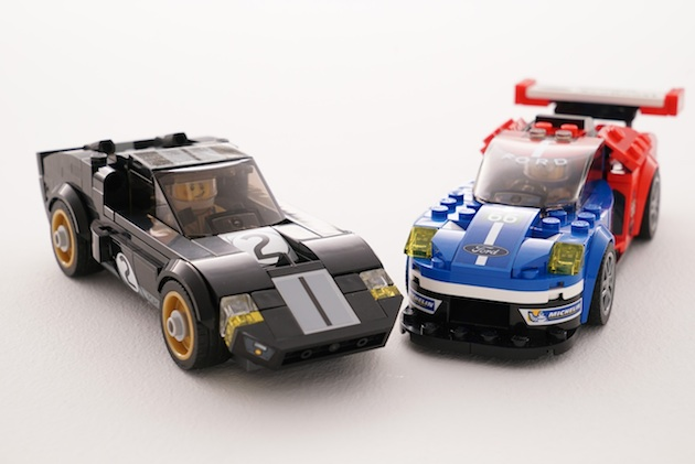 レゴから、ル・マンで優勝した新旧2台の「フォード GT」セットが登場