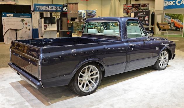 sema2017 シボレーが1967年型 c10 のカスタム モデルを出展 旧車に