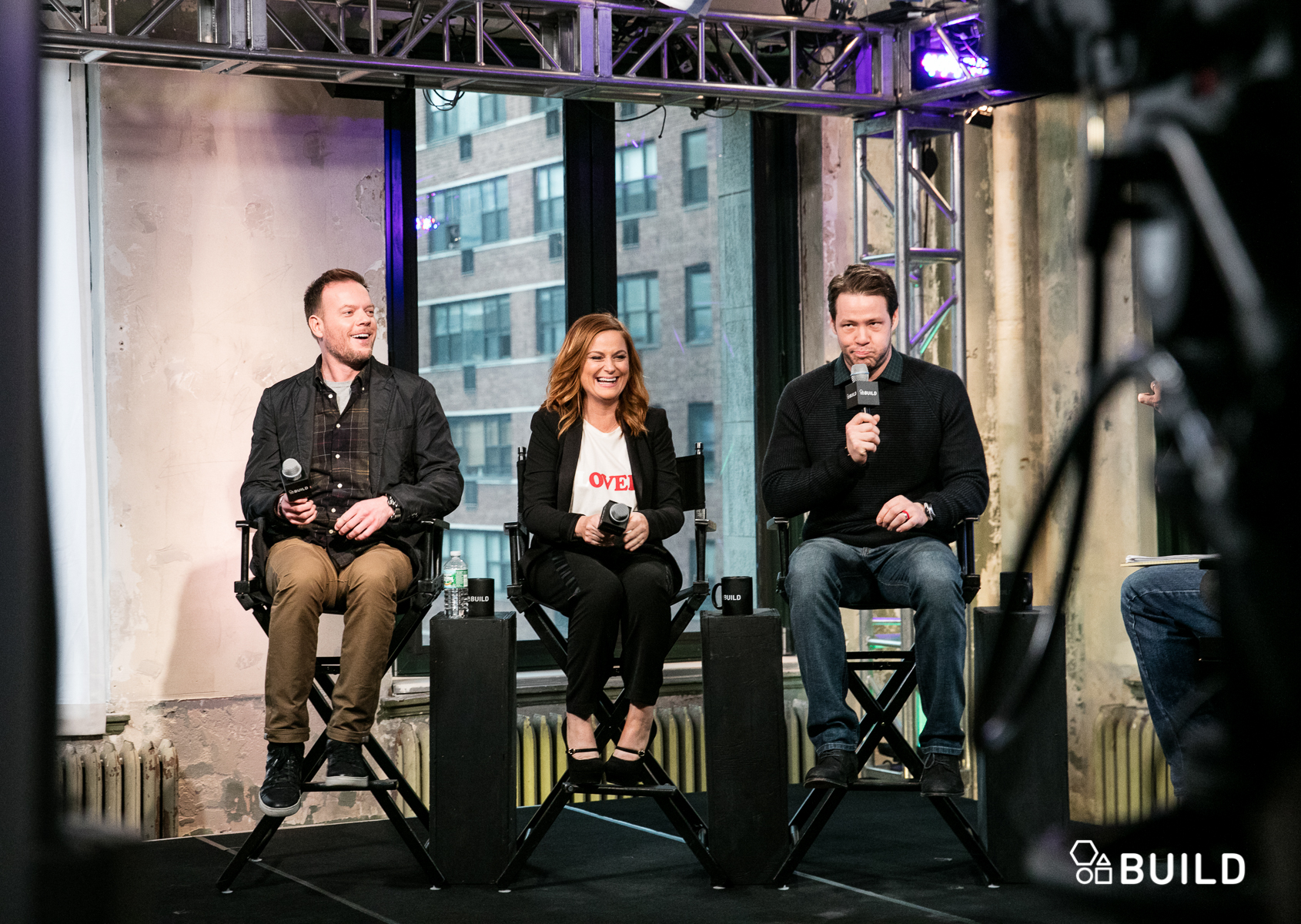 Onlyonaol Amy Poehler Ike Barinholtz And Jason Moore Share A Bond