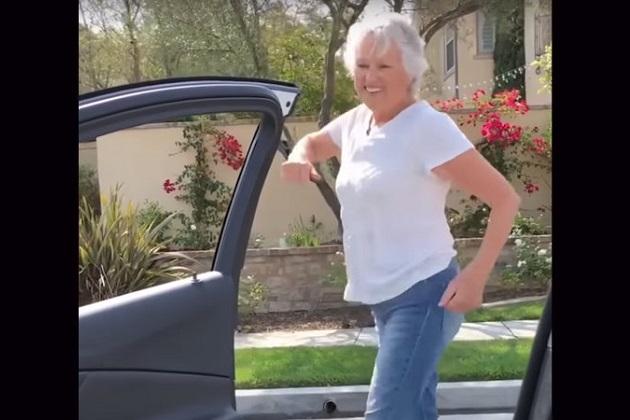 【ビデオ】走行中のクルマから降りてダンスする動画を撮る馬鹿者が続出! 米国家運輸安全委員会が警告を発するまでに