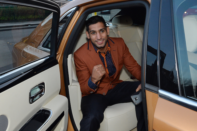 Amir Khan arrives at Fitzroy Lodge Amature Boxing Club, London. PRESS ASSOCIATION Photo. Picture date: Friday January 23, 2015. See PA story BOXING Khan. Photo credit should read: John Stillwell/PA Wire