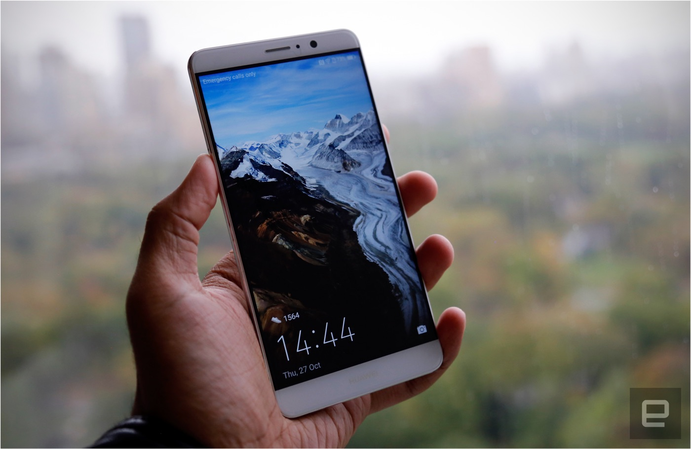 Huawei's new Mate 9 wants to be a smarter kind of smartphone