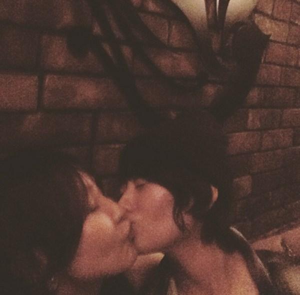 真木よう子とyouのエロすぎる濃厚キス写真がネット上で話題に