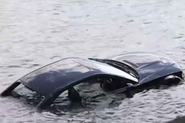 BMW M3 crashes into sea
