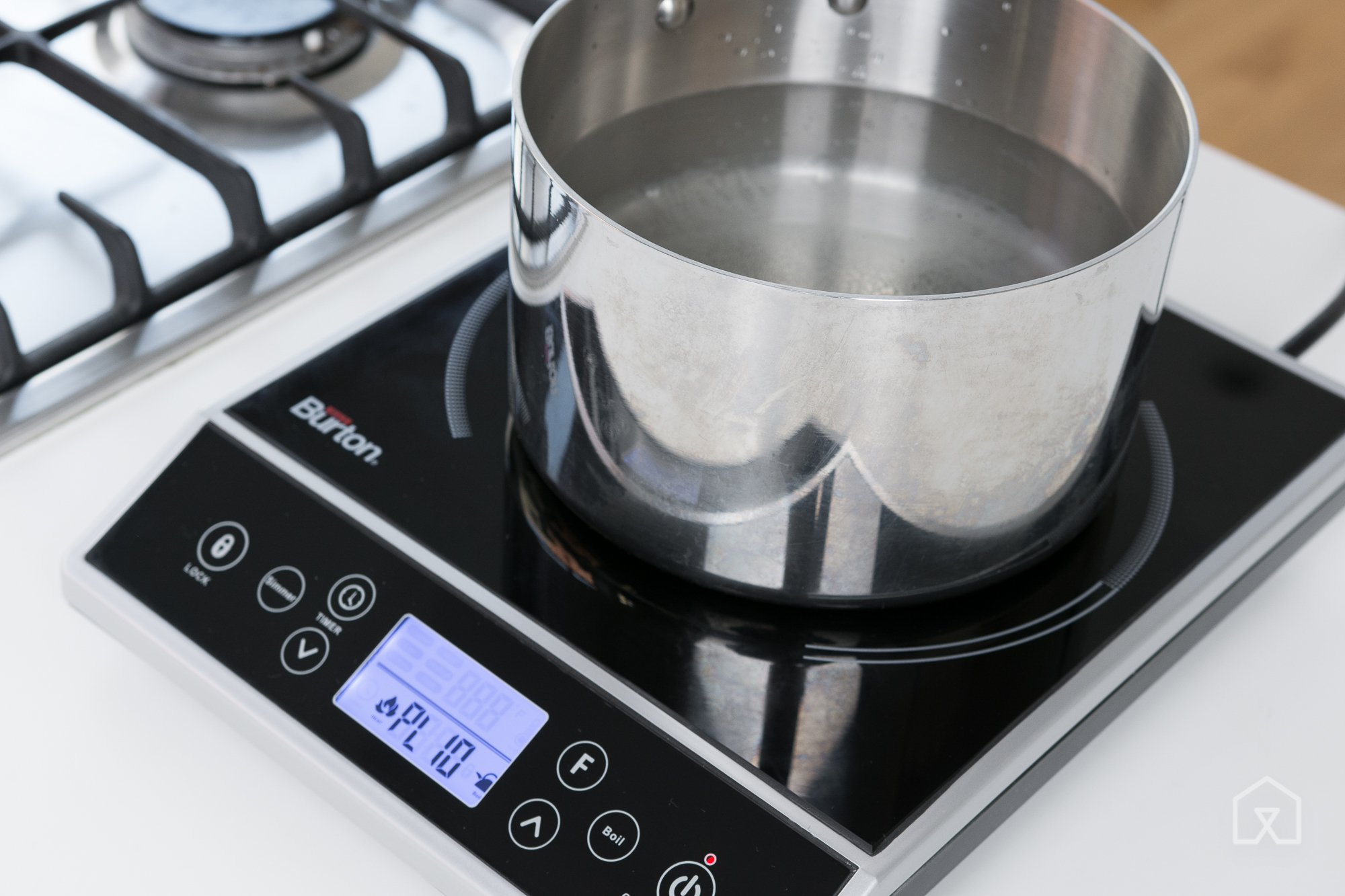 The Max Burton 6400 Digital Choice Induction Cooktop Boiled Water Slightly  Faster Than The Duxtop, But Itu0027s Noisier And More Expensive.