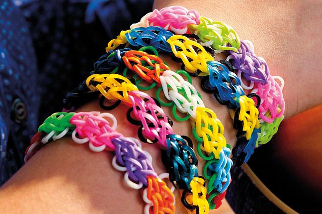 Loom Band Designs How To Make A Flower Bracelet Huffpost Uk
