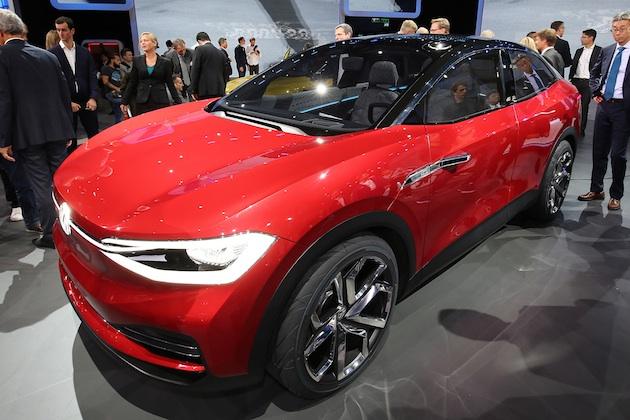 フォルクスワーゲン、市販モデルに近づいた電気自動車クロスオーバー「I.D. CROZZ II」をフランクフルトで公開!