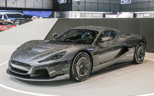 リマックが発表した1,900馬力の新型電動スーパーカー「C_Two」は、「リチャード・ハモンド対策」も万全!