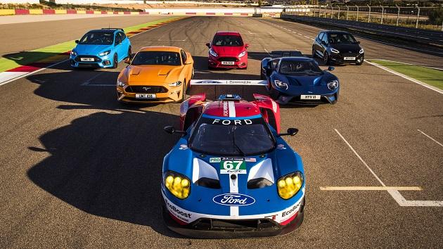 【ビデオ】フォード・パフォーマンスの高性能モデル8台が、サーキットでレースを展開!(性能に合わせて時間差スタートのハンデあり)