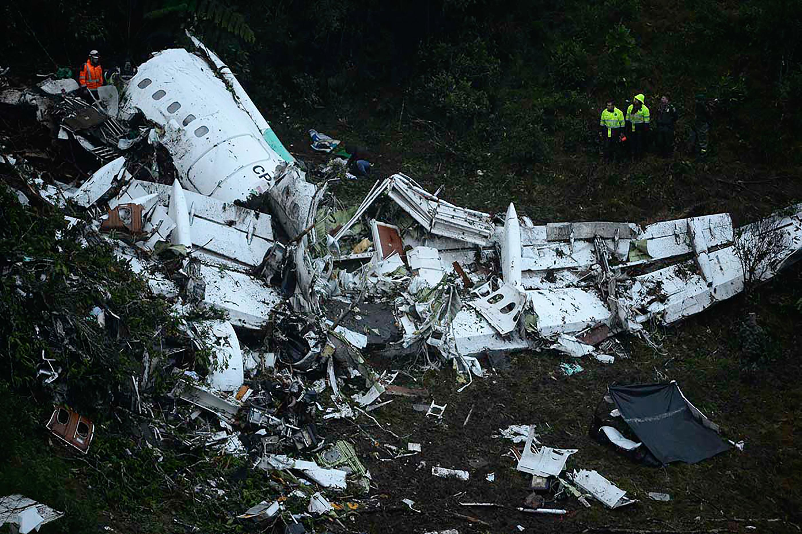 Les débris de l'avion de la compagnie Lamia, le 29 novembre