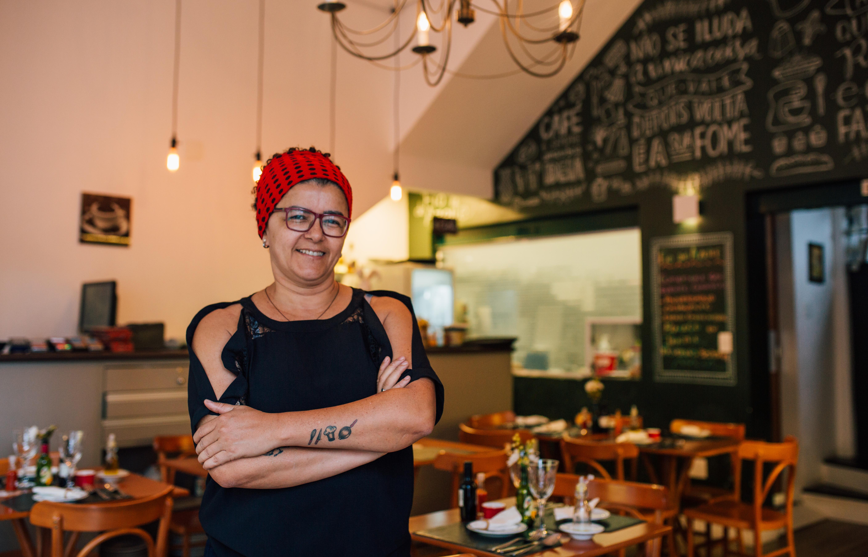 Márcia Monteiro: Da bebê desnutrida à dona do restaurante que faz a diferença na vida dos funcionários