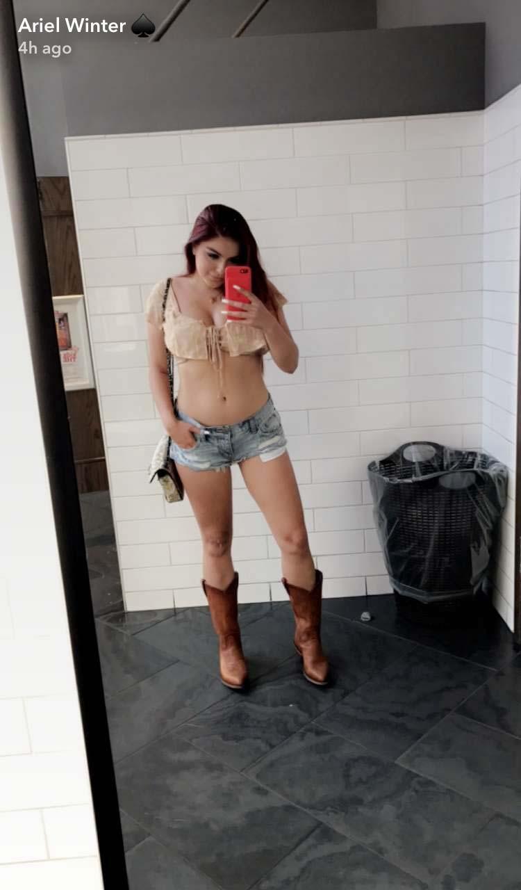 Teen girls daisy duke shorts what shall
