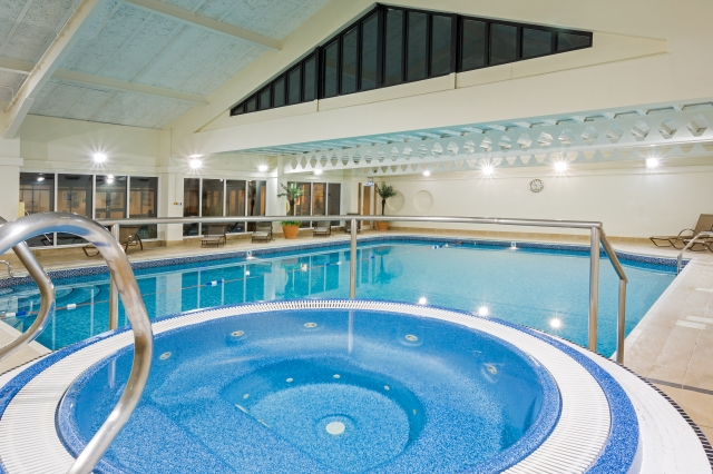Win a two night break in cambridge aol uk travel for Hotels in cambridge with swimming pool