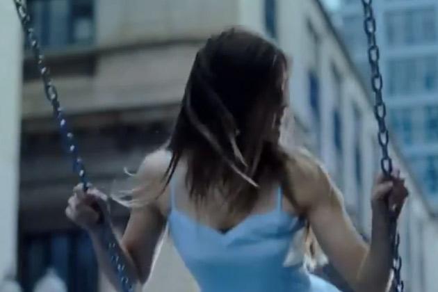 【ビデオ】フィアットが「500X」の不気味なティーザー映像を公開