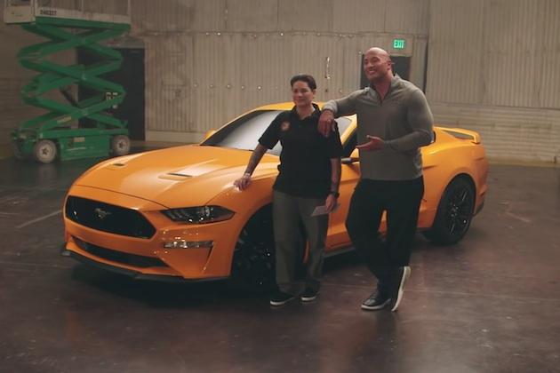 【ビデオ】フォードとザ・ロックことドゥエイン・ジョンソンが、新型「マスタング」を退役軍人にサプライズ贈呈