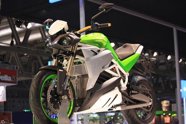 伊の電動バイク、エネルジカ「エゴ」のカウルを外したネイキッドモデル「エヴァ」