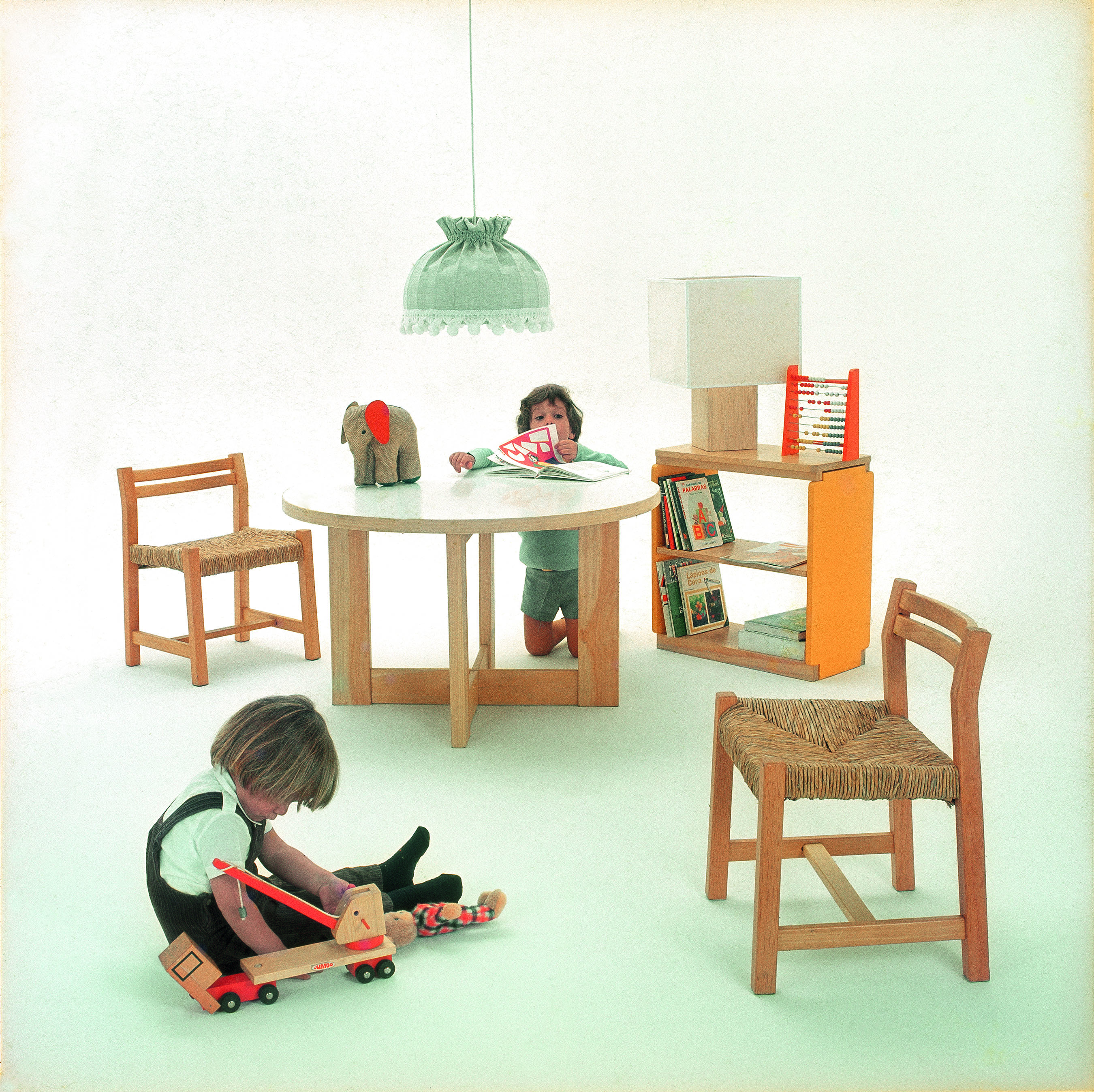 """Para Oscar Hagerman los muebles son """"la más pequeña de las"""