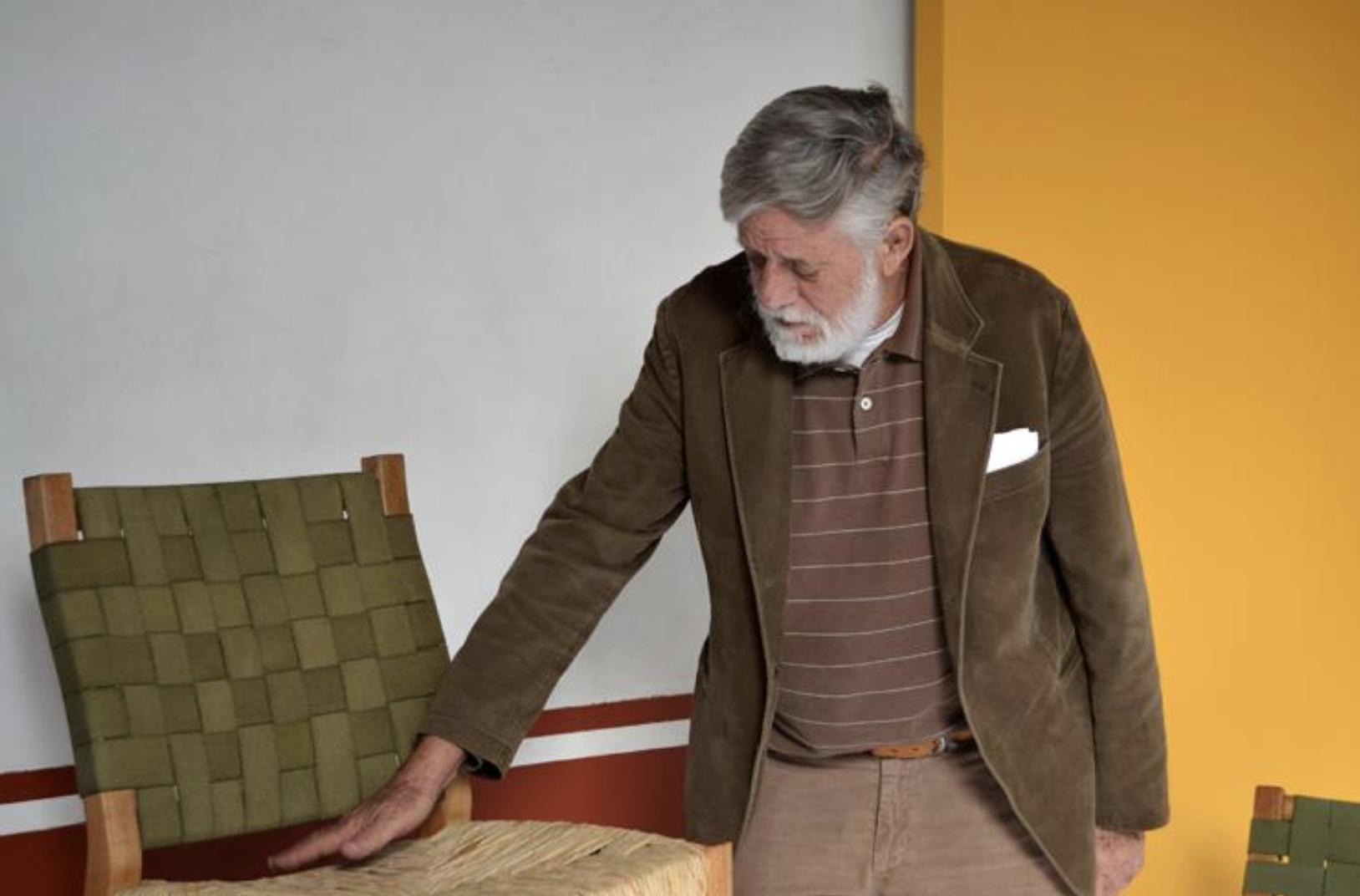 """""""Me gustan los muebles populares, esos que fabrican los carpinteros con pocas herramientas y mucha..."""