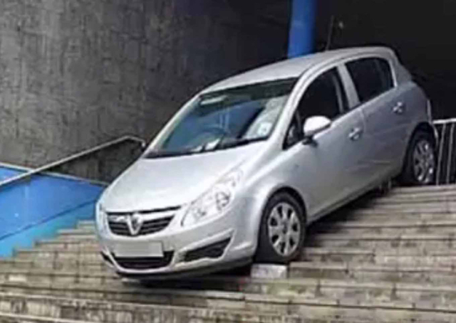 Car stuck on stairs in Plymouth Sat Nav fail