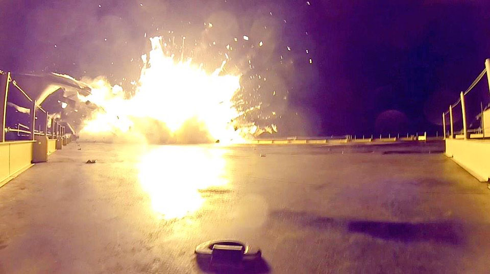 spacex s rocket landing test was a big success despite the fiery explosion update video
