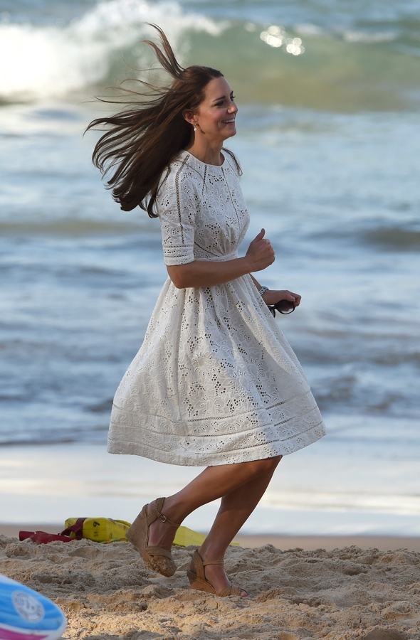 Catherine, the Duchess of Cambridge, runs along the beach at Manly, on Sydney's north shore on April 18, 2014. Britain's Prince William, his wife Kate and their son Prince George are on a three-week tour of New Zealand and Australia.    AFP PHOTO/William WEST        (Photo credit should read WILLIAM WEST/AFP/Getty Images)