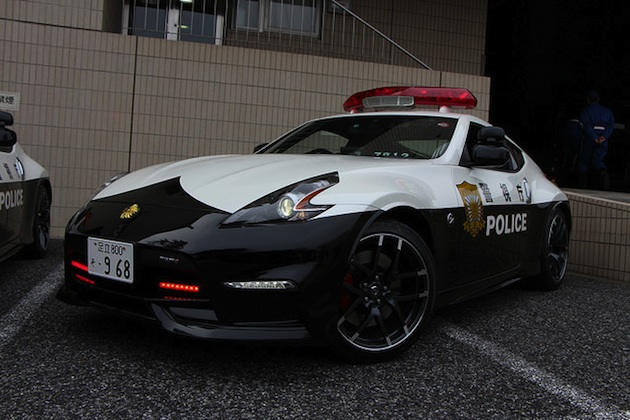 【ビデオ】警視庁が日産「フェアレディZ NISMO」3台をパトカーとして配備