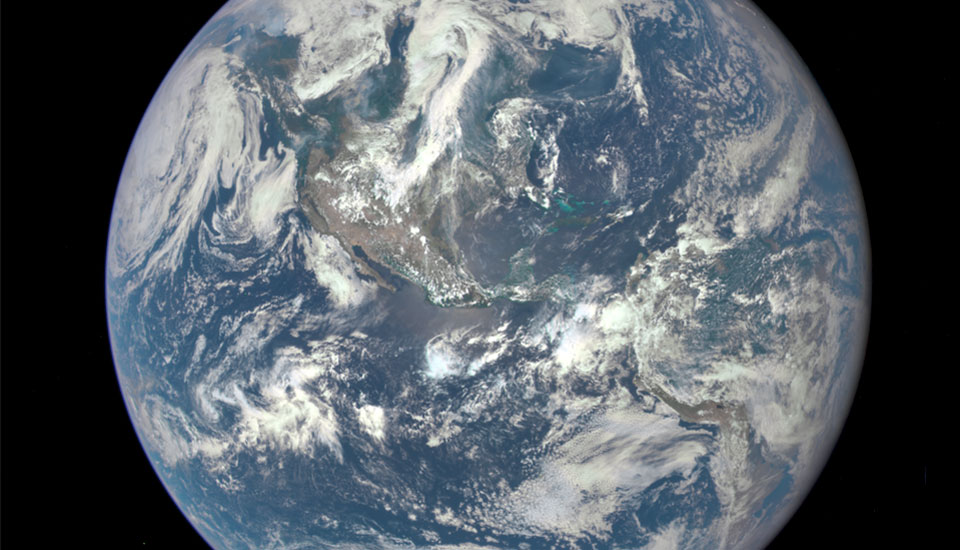 The Big Picture NASA Posts DSCOVRs Epic First Image Of Earth - Satellite view of earth today