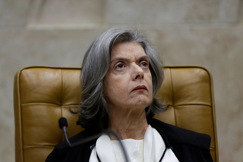 Decisão de Cármen Lúcia de julgar habeas corpus de Lula não minimiza atrito no STF
