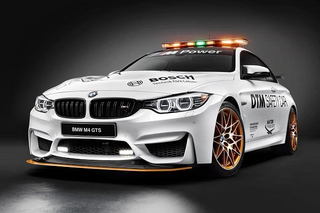 BMW、DTMセーフティカーの「M4 GTS」と、パラリンピックの競技用車いすを発表