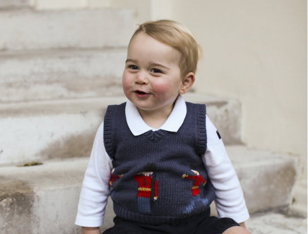Palace releases adorable Christmas photos of George!