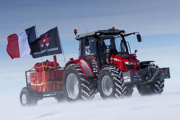 【ビデオ】オランダ人女優が、農業用トラクターでの南極点到達を5年かけて達成
