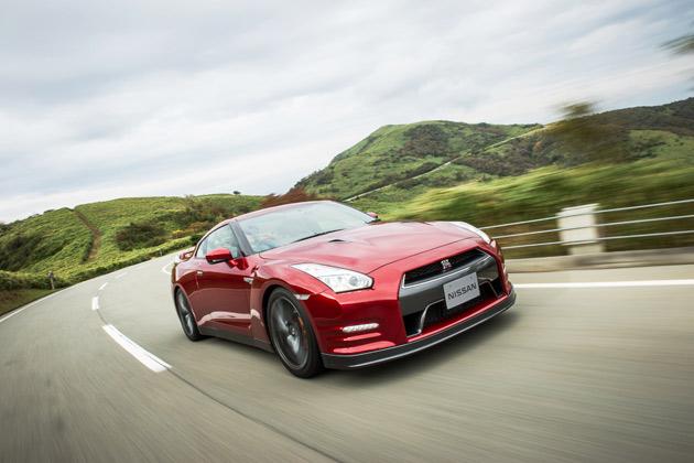 日産、「GT-R」の2015年モデルを発表! NISMO直系の新グレードや45周年限定モデルも