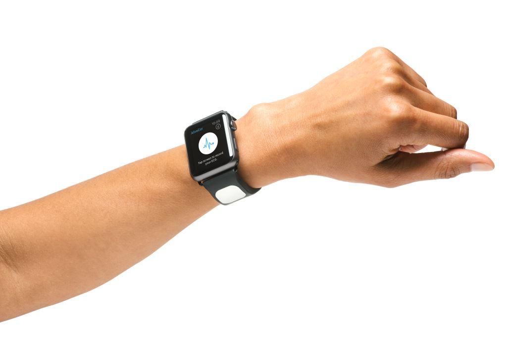 這款 Apple Watch 錶帶可在你的心臟出問題時發出提醒