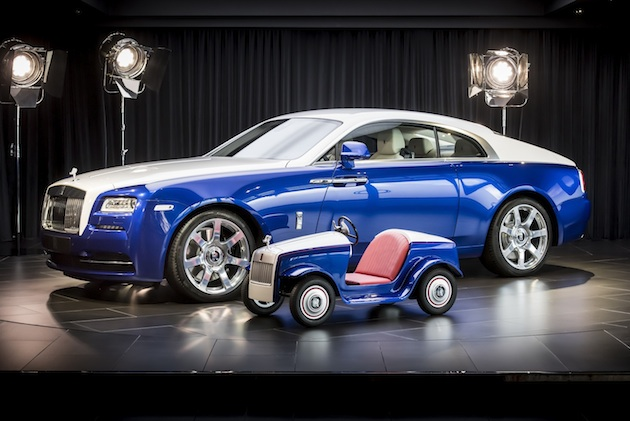 【ビデオ】ロールス・ロイスが治療に励む子供たちのために、小さな特別仕様車を製作 これを運転して手術室へ