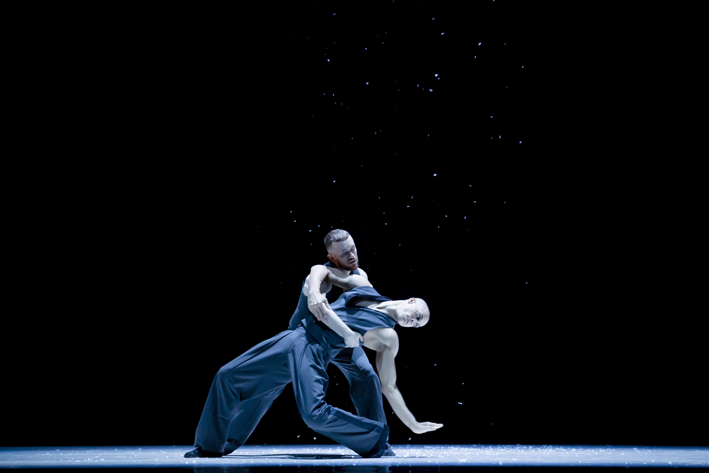 Montreal, Canada 4 decembre 2017. Les Ballets Jazz de Montreal nouveau spectacle DANCE ME. Photo Thierry...