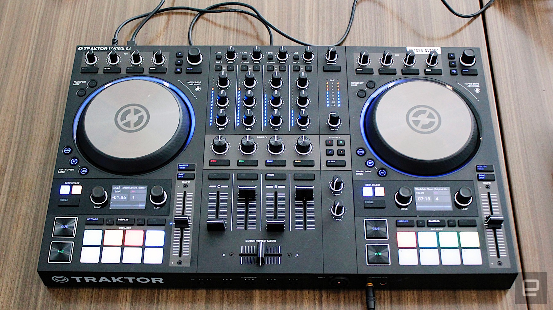 Native Instruments' latest performance controllers do beats
