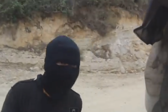 backpackers-robbed-gunpoint-motorbike-guatemala