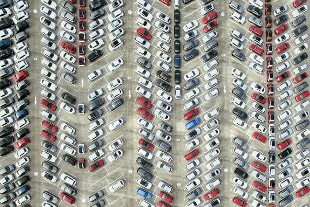 米国・英国・ドイツのドライバーは、駐車スペースを探すために1年で8兆円に相当する燃料と時間を消費していることが明らかに